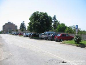 Parkoviště u Macků