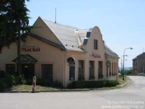 Restaurace u Macků